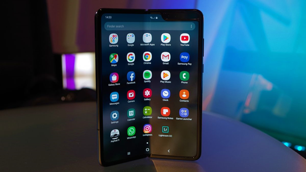Hands on: Samsung Galaxy Fold Review - Is it worth it?